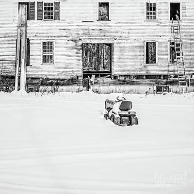 Abandoned Houses Photograph - Close The Door Springfield New Hampshire by Edward Fielding