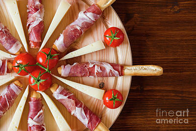 Wooden Platter Photograph - Close Up Of A Typical Italian Cutting Board by Luigi Morbidelli
