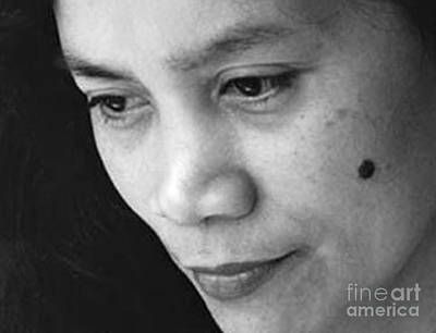 Photograph - Closeup Of A Filipina Beauty With A Mole On Her Cheek by Jim Fitzpatrick