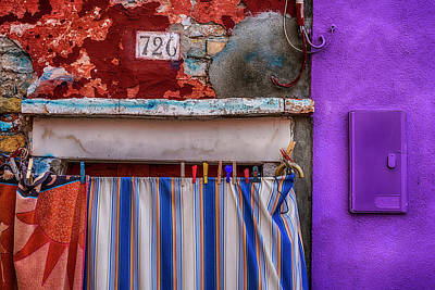 Photograph - Clothespins Burano Italy_dsc5044_03032017 by Greg Kluempers