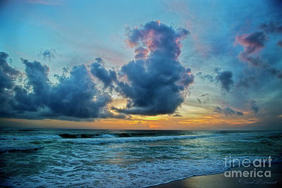 Photograph - Cloud Says Goodbye To Sun by David Arment