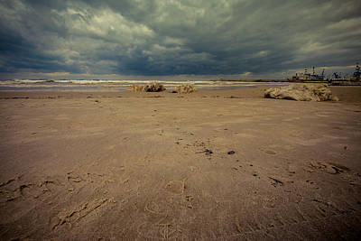 Photograph - Clouds And Sand by Mark Perelmuter