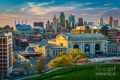 Union Station Photograph - Clouds Over Kansas City by Inge Johnsson