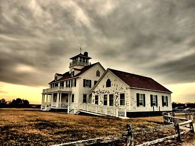 Photograph - Coast Guard Beach Station by Bruce Gannon