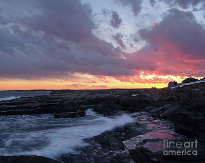 Photograph - Coastal Sunset Cape Neddick - York Maine  -21056 by John Bald