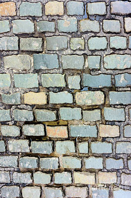 Photograph - Cobblestone Pattern by Les Palenik