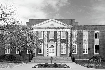 Associated Colleges Of The Midwest Photograph - Coe College Marquis Hall by University Icons