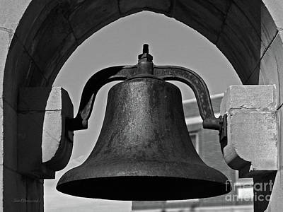 Associated Colleges Of The Midwest Photograph - Coe College Victory Bell by University Icons