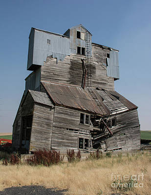 Photograph - Collapsible Barn by John Greco