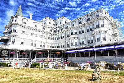 Photograph - Colonial Hotel Cape May by John Rizzuto