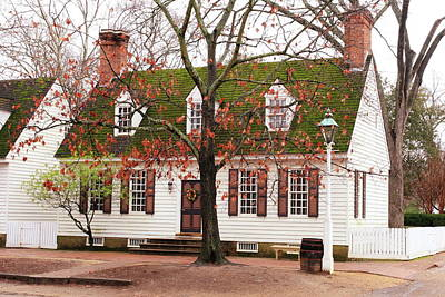 Photograph - Colonial House by Lou Ford