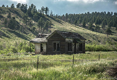 Photograph - Colorado Cabin by Wendy Carrington