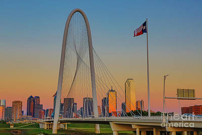 Photograph - Colorful Dallas Sunset by John Roberts