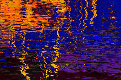 Digital Art - Colorful Ripple Effect by Danuta Bennett