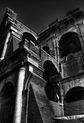 Coloseo 3 Art Print by Brian Thomson