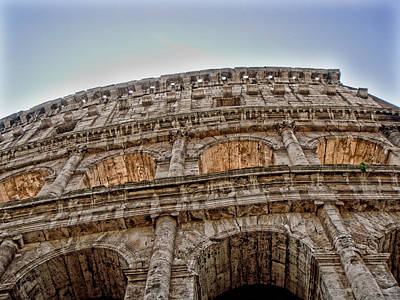 Buildings Photograph - Colosseum by Roberto Alamino