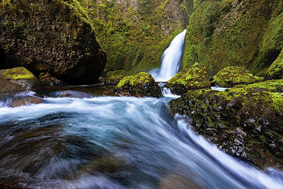 Photograph - Columbia Cascade by Mike Lang