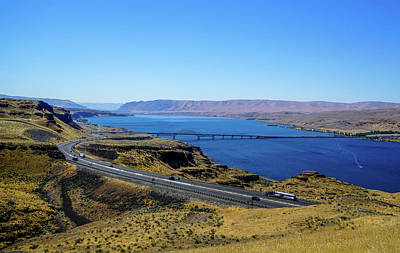 Sunny Photograph - Columbia River by Ric Schafer