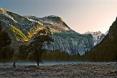 Yosemite Painting - Columbia Rock by Larry Darnell