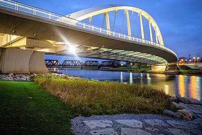 Photograph - Columbus Bridge - Main Street Over Scioto River by Gregory Ballos