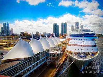 Photograph - Come Cruise With Me by Sue Melvin