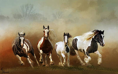 Gypsy Cob Digital Art - Coming In by Kimberly Stevens