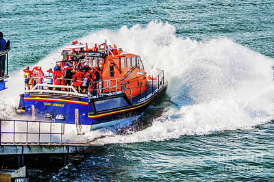 Photograph - Coming To The Rescue by Steve Purnell