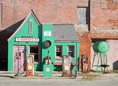Photograph - Commerce Conoco by Heather Hollingsworth