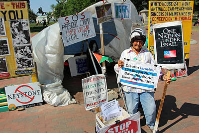 Photograph - Concepcion Picciotto's 34 Year White House Peace Vigil by Cora Wandel