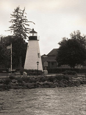 Concord Point Lighthouse Print by Gordon Beck
