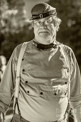 Photograph - Confederate Reenactor 5083v_bw_s by Doug Berry