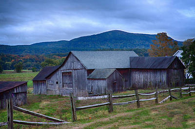 Photograph - Connecticut River Vally Rustic Barn by Jeff Folger