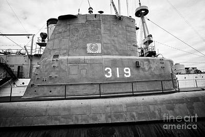 319 Photograph - conning tower of USS Becuna ss-319  exhibit at independence seaport museum dock Philadelphia USA by Joe Fox
