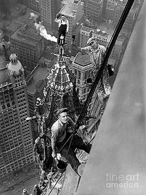 Photograph - Constructing The Woolworth Building - New York City 1926 - Daring Ironworkers by Merton Allen