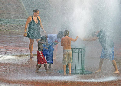 Photograph - Cooling Off 10 Color by Joseph C Hinson Photography