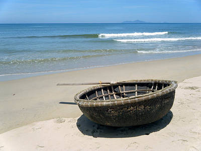 Photograph - Coracle On Danang Beach by Steven Scott