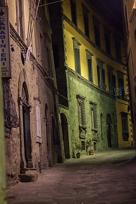 Photograph - Cortona Alleyway by Al Hurley