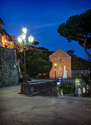 Photograph - Cortona Piazza Garibaldi by Al Hurley