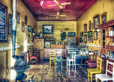 Photograph - Cosy Cafe Closed by Wayne Sherriff