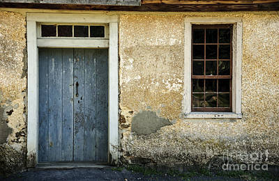 Photograph - Cottage by Debra Fedchin