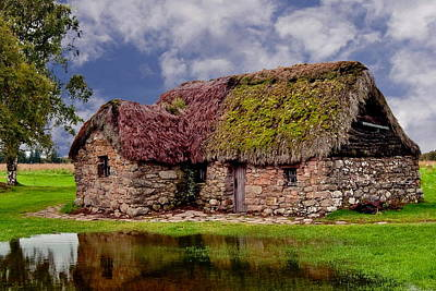 Cottage In The Highlands Art Print