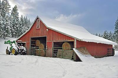 Photograph - Cougar Gulch Barn by Vic Harris
