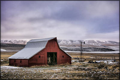 Photograph - Country Barn by Erika Fawcett