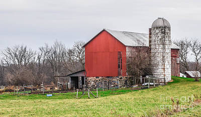Photograph - Country Barn by Grace Grogan
