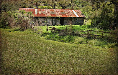 Photograph - Country Barn In Conroe by Judy Vincent