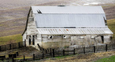 Photograph - Country Barn Rolling Hills by Athena Mckinzie