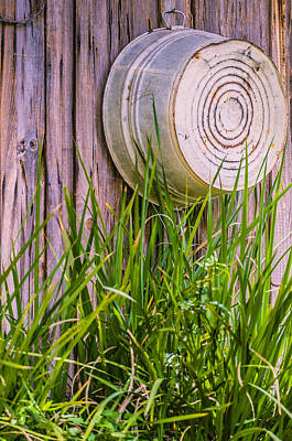 Washtub Photograph - Country Bath Tub by Carolyn Marshall