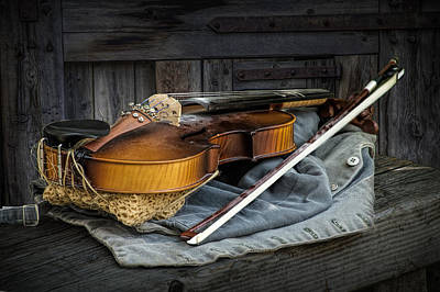 Country Fiddle Stringed Instrument With Bow Art Print