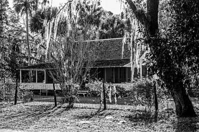 Photograph - Country House by Bill Howard