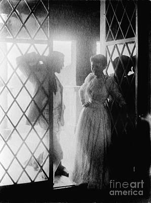Photograph - Couple In Doorway by Granger